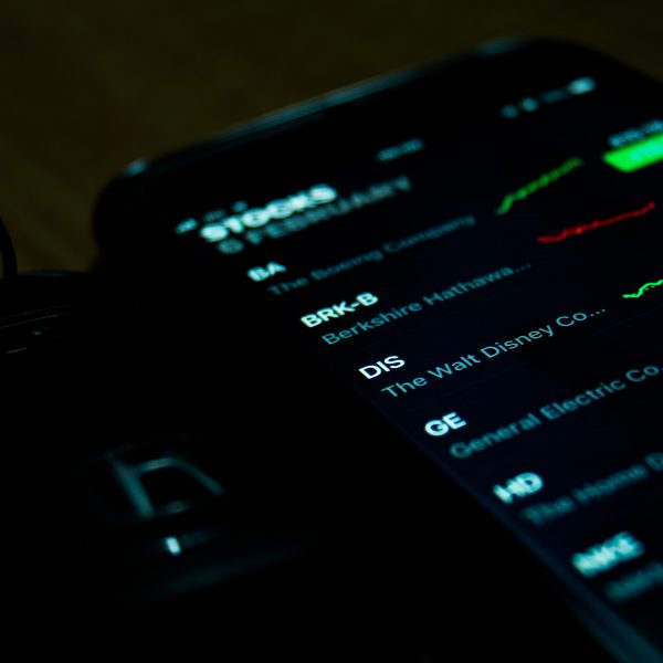 stock quotes on a phone - living off of dividends